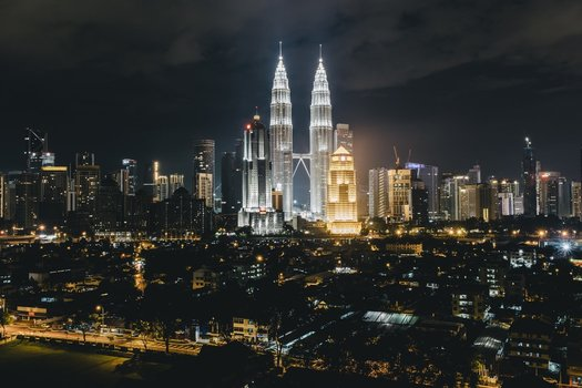 Travel Guide of Must Visit Places. Petronas Tower, Malaysia