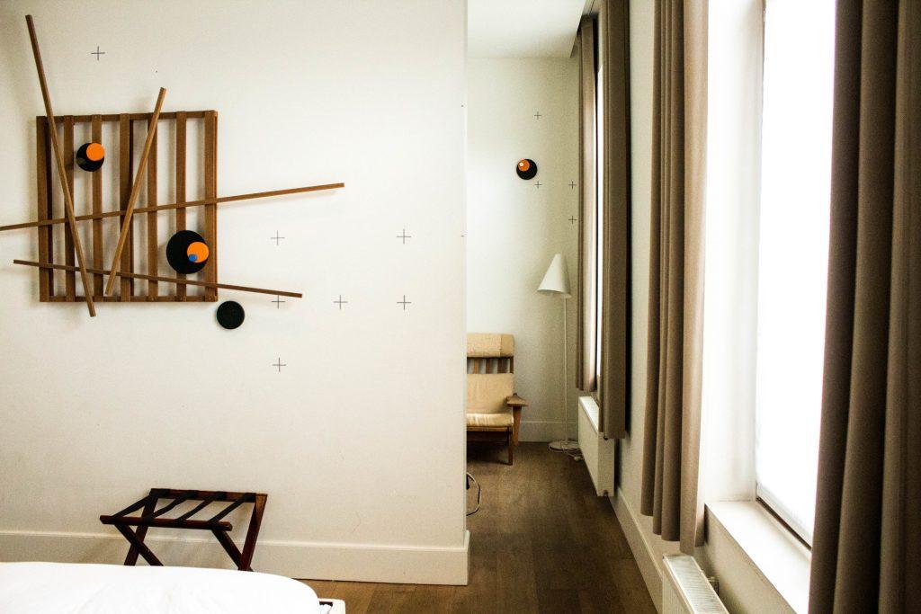 Wu Wei Hotel Room, Belgium