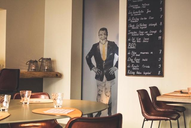 Door to Restaurant Sans Cravate Brugge